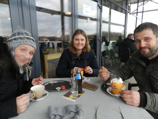 Lummen, Belgique : ....with good friends!