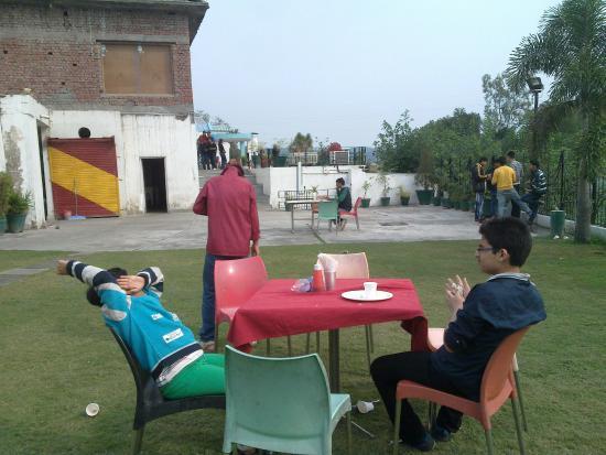 البنجاب, الهند: Back side of the resort.....