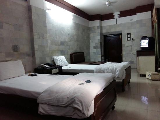 ホテル ディープ アバード