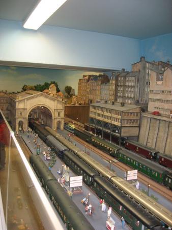 Musée Rambolitrain : gare de l'est en maquette