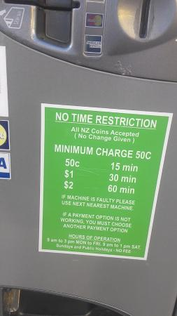 Harbour City Motor Inn: Street coin parking meter, $2 for 1 hr