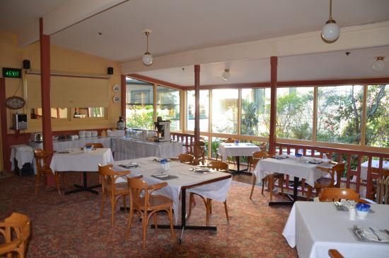 Leura House: Dining Room