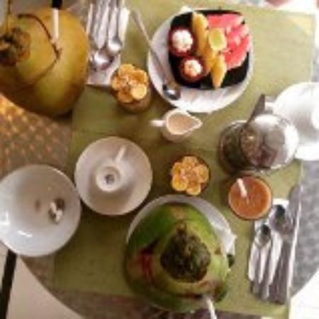 Casa Artista Bali: Raw and vegan breakfast, op je eigen balkon