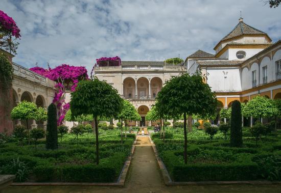Casa de pilatos s ville magnifique jardin picture of for Villas de jardin seychelles tripadvisor