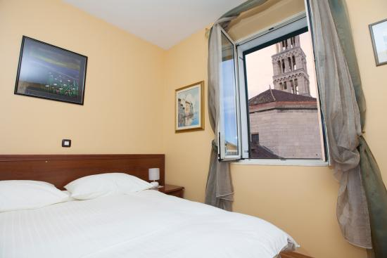 Hotel Peristil: Superior double room