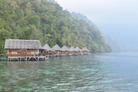 kamar kamar diatas laut picture of ora beach resort seram island rh tripadvisor ie