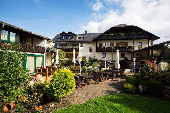 Kempfeld, Allemagne : Blick vom Garten