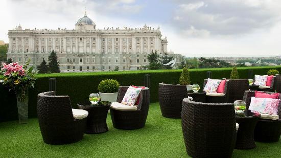 Terraza Solarium Foto Di Apartosuites Jardines De Sabatini