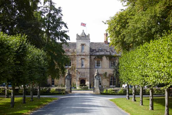 The Manor: Beautiful country manor house