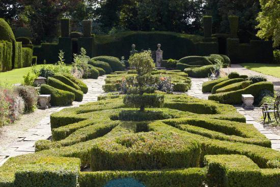 The Manor: Stunning gardens to explore