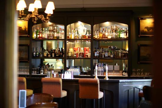 Weston on the Green, UK: Bertie's Cocktail Bar, the place to be