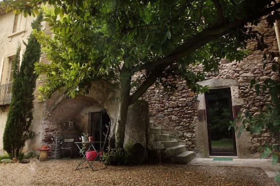 Domaine De Brousson: En bild som har med kulturinslag från 1100-talet och olivträdet.
