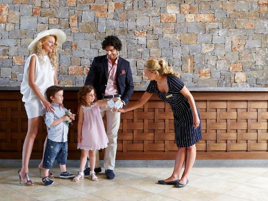 Amirandes, Grecotel Exclusive Resort: Arriving is always a celebration at Amirandes