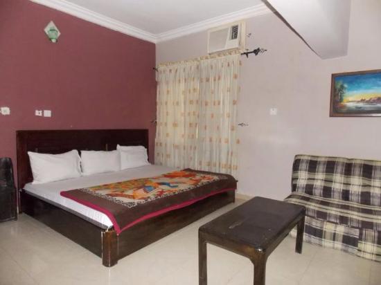 Edinburgh hotel owerri nigeria specialty hotel for Specialty hotels