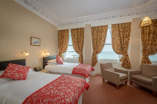 Somerset Hotel : Twin Sea View Room
