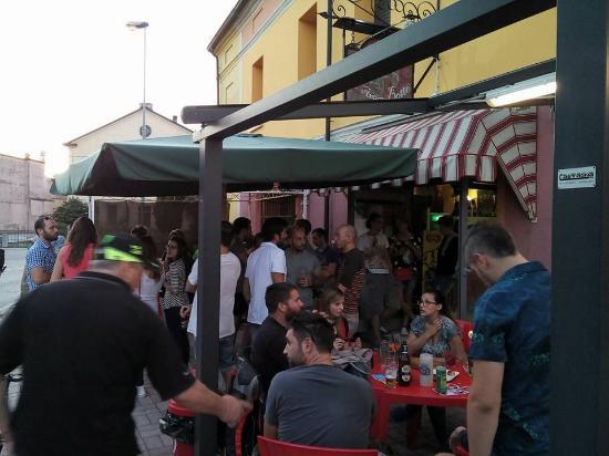 Castellucchio, Italia: Happy Hour