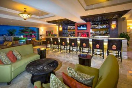 Ocean Two Resort & Residences: Oasis Bar and Lounge