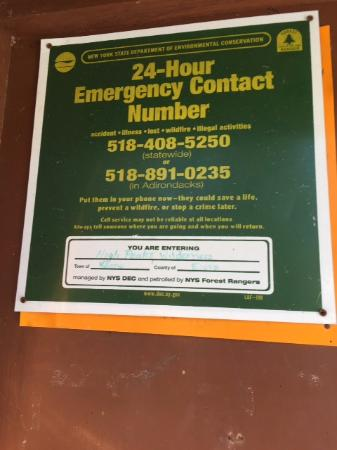 Adirondack, Nowy Jork: Emergency contact number and sign-in