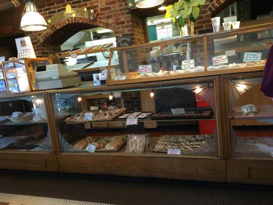 Smithville, Nueva Jersey: danish case and take out counter.
