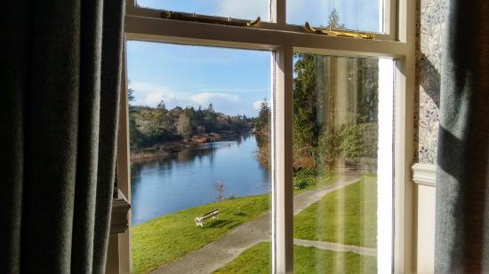 Ballynahinch Castle Hotel: The view from Room 34