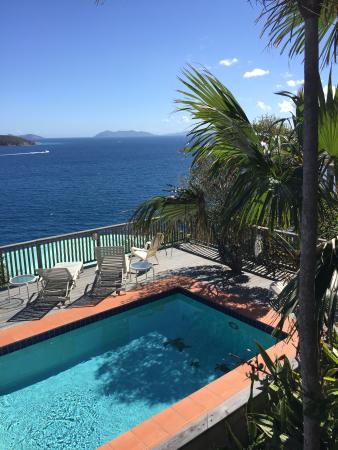 Peterborg, St. Thomas: View from the pool