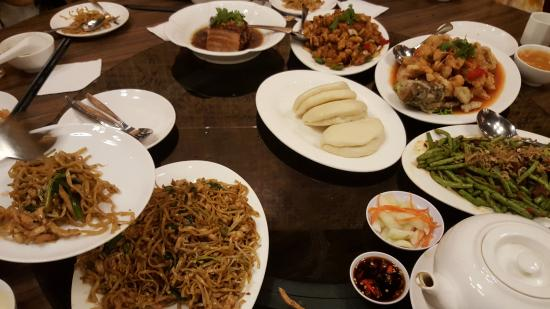 Hakka Chinese Food - Picture of Moi Garden Restaurant, Surabaya ...