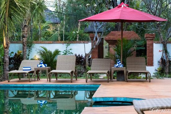Taman Sari Bali Resort & Spa : Piscine en face des Deluxe Studios