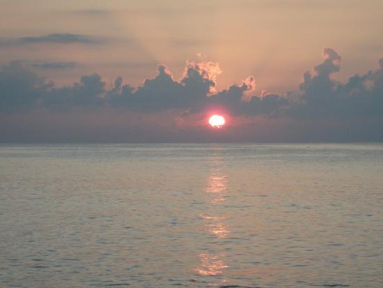 Coco d'Or Hotel & Restaurant: coucher de soleil plage