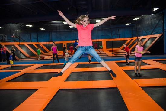 Knuckleheads: Trampoline Park!!