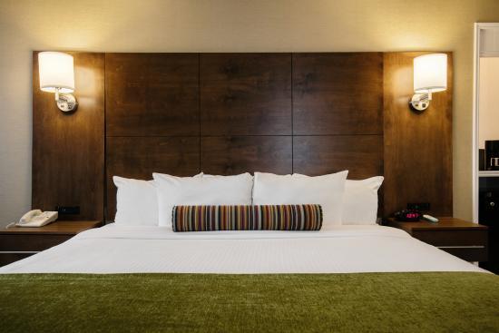 BEST WESTERN Ville-Marie Hotel: Bed