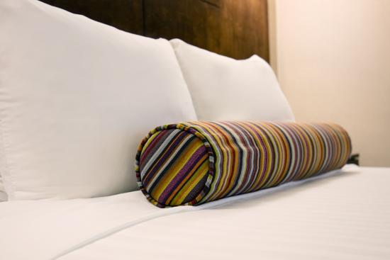 BEST WESTERN Ville-Marie Hotel: Pillow