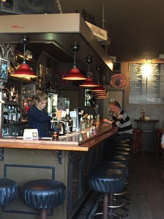 c3ca64b1988 De bar. - Foto van Bierlokaal Cafe de Koffer, Groningen - TripAdvisor