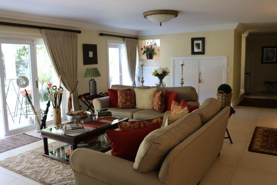 Bryan Manor Guest House: Lounge