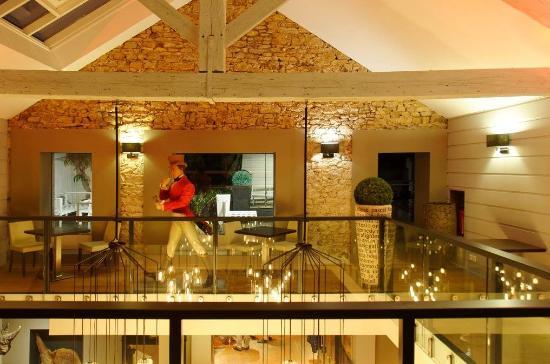 Le Pavillon Rose : Atrium étage