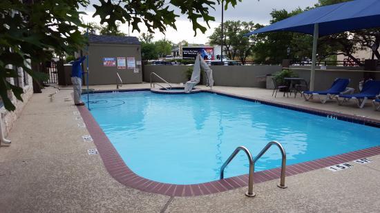 Holiday Inn Express Hotel & Suites Cedar Park (NW Austin): Heated