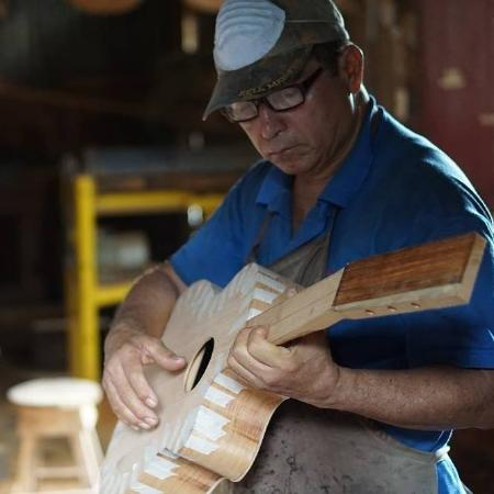 Masaya, Nicaragua: Established since 1934 – Traditional luthier family business in Nicaragua