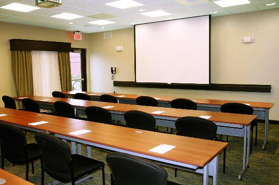 Hampton Inn and Suites Roseville : Hotel Conference Room in Roseville