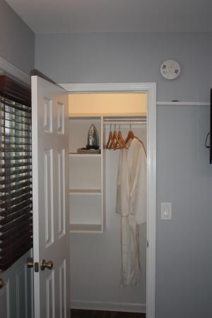 The Duncan Inn: Closet