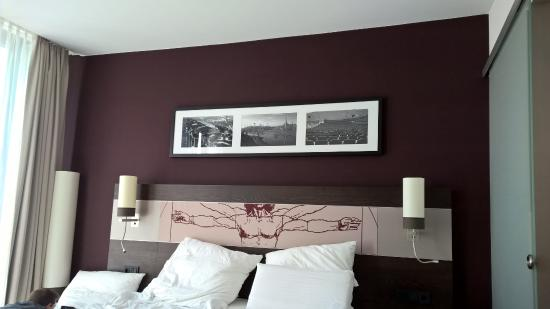 glasschiebet r zum bad picture of leonardo royal hotel munich rh tripadvisor co uk