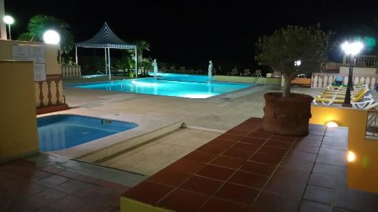 Hotel Baia Cristal: 20160403_205950_large.jpg