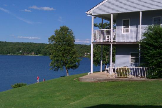 Horseshoe Bend, AR: Lakefront Units