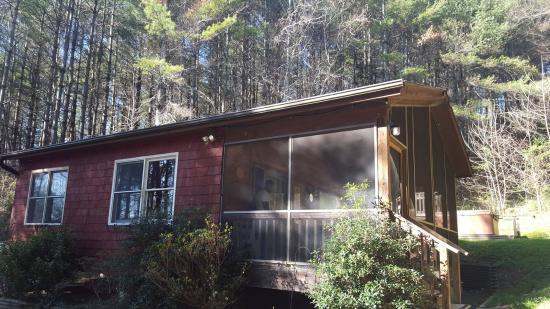 Broadwing Farm Cabins: Cedar Cabin