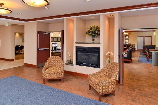 Hampton Inn Evanston: Lobby