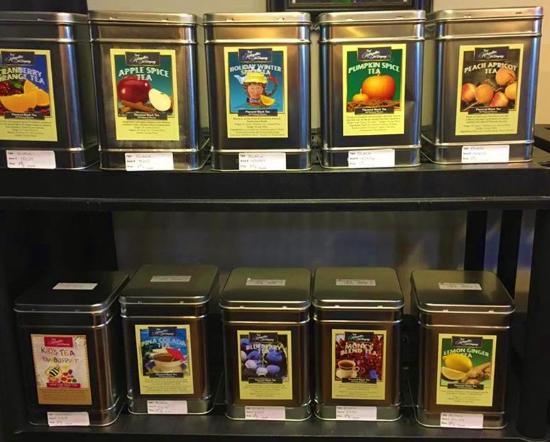New Minas, Canadá: The bulk tea selection.