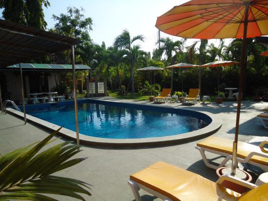 Lonops Gay Paradise Hotel