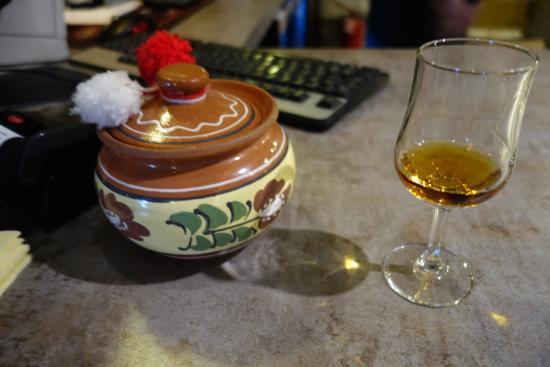 Lautarii Moldovan Tavern