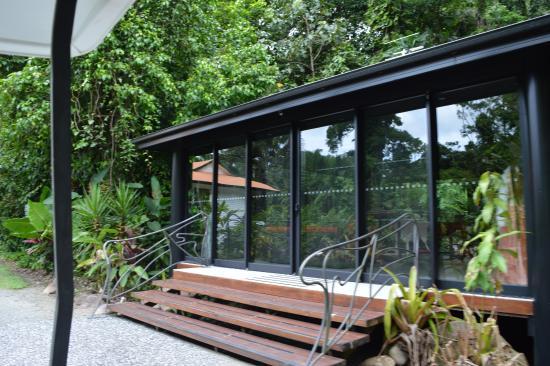 Bellenden Ker, Australia: Glass House, entertainment area