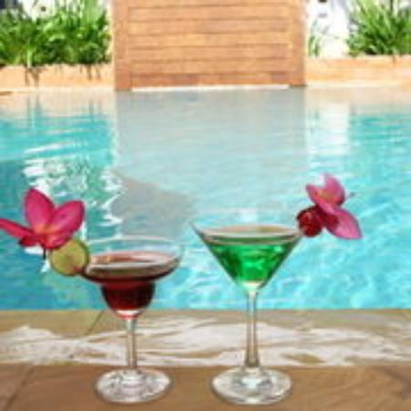 Tanei Boutique Villa: Pool Bar