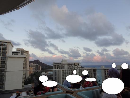 Sky Waikiki: ズームなしだとこんな感じ