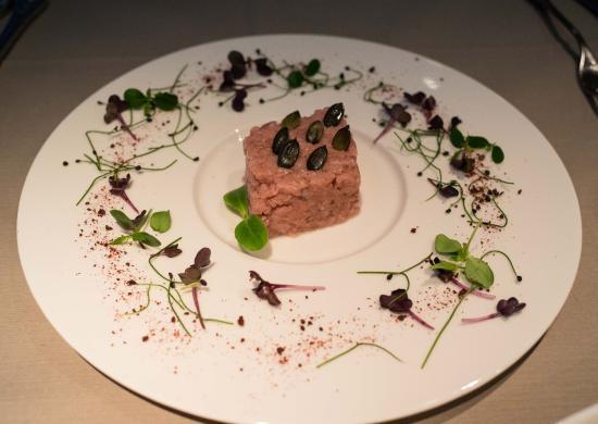 Altdorf, Zwitserland: Tartar veal with special herb taste